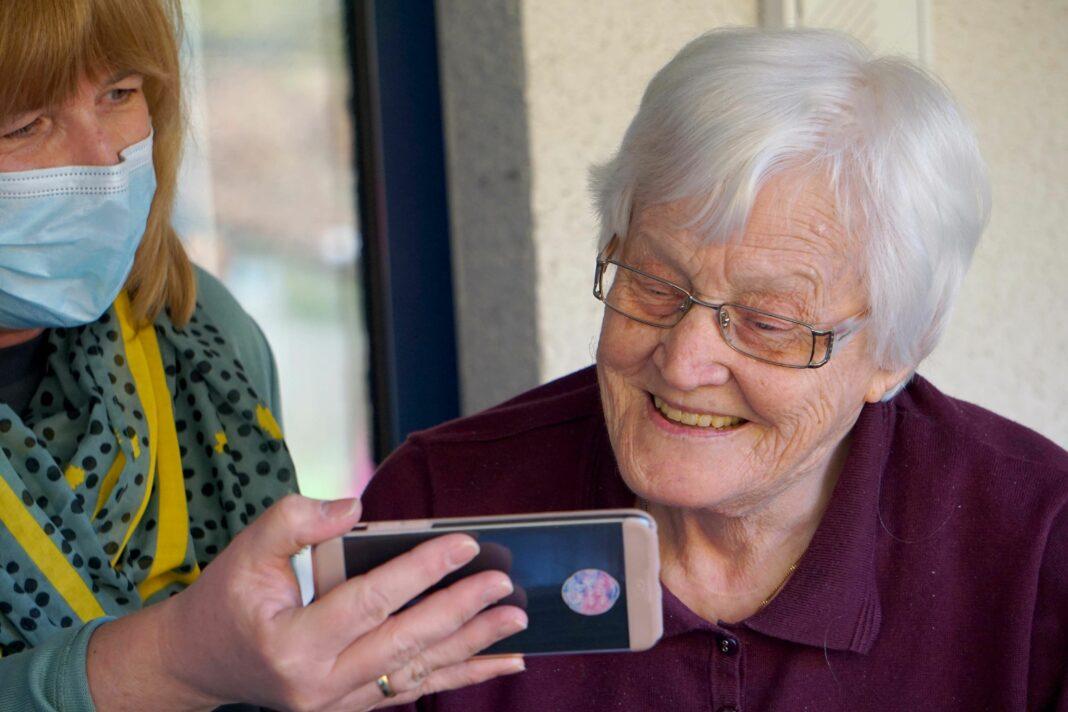 Foto de ¿Cómo detectar la pérdida auditiva en las personas mayores?